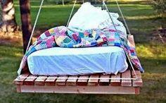 letto-altalena fatto con bancali