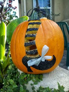 19 Creative Pumpkin Carving Ideas for Halloween Decorating