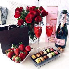 🎊Romantic Surprise for my love? 🎊Romantic Surprise for my love? Valentines Day Goals, Be My Valentine, Valentines Recipes, Valentine Crafts, Rich Lifestyle, Luxury Lifestyle, Lifestyle Shop, Women Lifestyle, Romantic Surprise