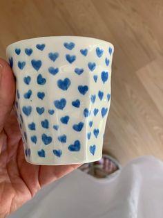 Clay Art Projects, Clay Crafts, Arts And Crafts, Ceramic Pottery, Pottery Art, Ceramic Art, Keramik Design, Mo S, Cute Mugs