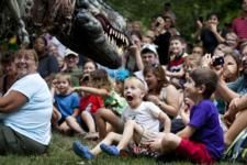 Just in time for the weekend! 8 Great ideas for your weekend plans including Father's Day ideas & ERTH's Dinosaur Petting Zoo (how cool!)