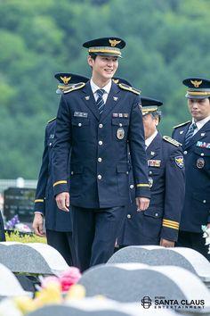 Joo Won, Double Breasted Suit, A Good Man, Captain Hat, Suit Jacket, Actors, Suits, Boys, Jackets