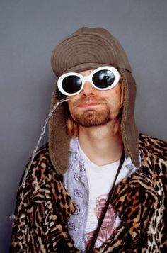RIP Kurt, it's been 20 years that you've been gone now. I wasn't even around when you died, but that doesn't matter. Thank you for making me believe in myself and not care what others care about me!