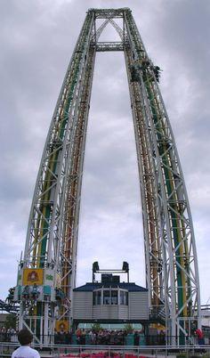 world's most amazing roller coasters Biggest Roller Coaster, Power Tower, Cedar Point, Burj Khalifa, Sydney Harbour Bridge, Amusement Park, Disneyland, Scary, Places To Go