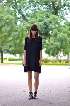 Simple black dress - Lovely By Lucy