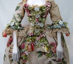 Early Eighteenth Century Fashion | Mississippi Sisters: July 2010