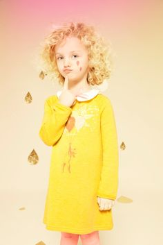 Robe Billieblush, collection automne-hiver 2013-2014. http://www.journaldesfemmes.com/maman/enfant/mode-enfants-pas-chere/robe-jaune-billieblush.shtml