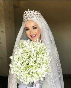 Hijabi Wedding, Wedding Hijab Styles, Muslimah Wedding Dress, Muslim Wedding Dresses, Elegant Wedding Hair, Muslim Brides, Wedding Dresses For Sale, Gothic Wedding, Bridal Dresses