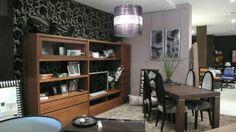 Mueble actual de lineas rectas, destaca la ausencia de tirador, podemos hacerlo en gran variedad de maderas y lacas.
