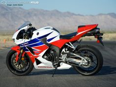2013 CBR Great wheels but those lights. Honda Sport Bikes, Cbr 600rr, Honda Cbr 600, High Resolution Wallpapers, Sportbikes, Love Car, Street Bikes, Ducati, Motorbikes