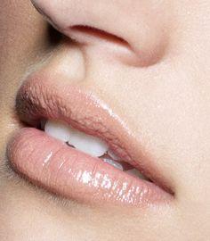 Smash box lip enhancing gloss in Gilded Nude