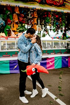 Winning prizes at the fair! Photo by Karina and Maks photography Fair Pictures, Cute Couple Pictures, Couple Photos, Relationship Goals Pictures, Cute Relationships, Cute Couples Goals, Couple Goals, Couple Photography Poses, Friend Photography