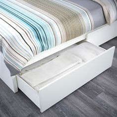 A clean design that's just as beautiful on all sides – place the bed on its own or with the headboard against a wall. You also get spacious storage boxes that roll out smoothly on casters. Platform Bed With Storage, Under Bed Storage, Storage Boxes, Storage Spaces, Lp Storage, Record Storage, Bed With Drawers, Large Drawers