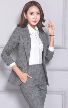 Women's Pant and Blazer Suit Simple Long Slim for Business – omymarts Business Professional Women, Professional Dresses, Business Women, Classy Work Outfits, Office Outfits Women, Business Dresses, Business Attire, Suit Fashion, Fashion Outfits