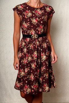 flower print , I'd <3 it in a red though