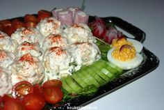 Pin on lekker Hollands Finger Food, Food For Thought, Salad Recipes, Tapas, Pear, Sushi, Food And Drink, Yummy Food, Snacks
