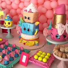 Colorida e super alegre, a Festa Shopkins é a sensação entre as meninas, assim como os brinquedos! Confira inspirações...