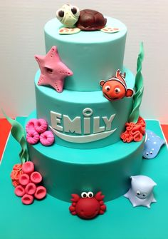 Fondant elements perfect for a Finding Nemo themed party