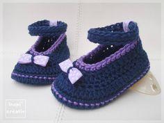"""FREE PATTERN - Ballerines bébé """"petits nœuds à pois"""" au crochet (Source : http://inspicreatives.canalblog.com/archives/2014/02/20/29195704.html) #crochet #baby #shoes"""