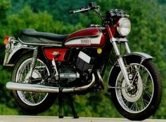 Google Image Result for http://motorbike-search-engine.co.uk/classic-bikes-2/1973-RD350.jpg