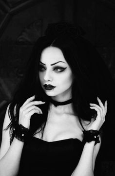 She Is Gorgeous, Beautiful Models, Beautiful Outfits, Hot Goth Girls, Gothic Girls, Goth Beauty, Dark Beauty, Dark Fashion, Gothic Fashion