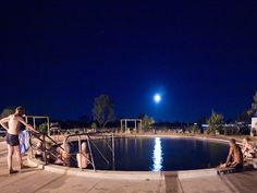 The water found in the Bore Baths at Lightning Ridge comes from the Great Artesian Basin and is approximately two million years old! Beach Bath, Beach Pool, Thermal Pool, Rock Pools, Lightning Ridge, Extended Play, Places Ive Been, Attraction, Road Trip
