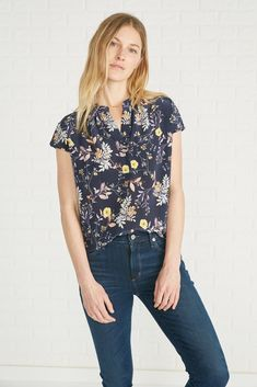 Renata Silk Blouse (French Jardin) – Short Sleeve – Amour Vert Short Sleeve Blouse, Short Sleeves, Business Casual Outfits, Mulberry Silk, Silk Crepe, Floral Tops, Global Citizen, French, Mens Tops