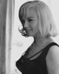 the movie the misfits with marilyn monroe The Misfits, Marilyn Monroe Old, Marilyn Monroe Artwork, Vintage Glamour, Vintage Beauty, Vintage Vogue, Inge Morath, John Huston, Gentlemen Prefer Blondes