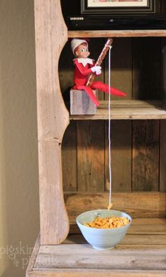 25 Elf on the Shelf Ideas | Pigskins & Pigtails...for all the Elf/Shelf folks out there.