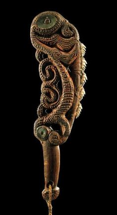 This article aims to help the reader understand and distinguish the different types of Maori Weapons. To understand Maori weapons and their intended specialized functions. Arte Tribal, Tribal Art, Abstract Sculpture, Sculpture Art, Bronze Sculpture, Maori Symbols, Maori Patterns, Polynesian Art, Maori Designs