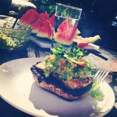 Vegan Tempeh & Guacamole Burger