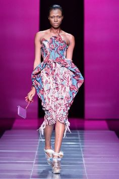 "Mercedes-Benz Fashion Week Africa 2013 – Samsung Marianne Fassler & Quamta present ""Pincushions"" African Print Dresses, African Fashion Dresses, African Prints, Mercedes Benz, African Women, African Art, Ghanaian Fashion, Africa Fashion, African Design"