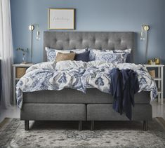 Bed with blue interior White Bedroom, Master Bedroom, Bedroom Furniture, Bedroom Decor, Cool Rooms, Bedroom Inspo, My Room, Room Inspiration, Contemporary Design