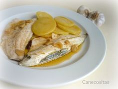 Lubina con ajada 3 thermomix Eggs, Breakfast, Food, Dishes, Sea Bass, Planks, Thermomix, Morning Coffee, Essen