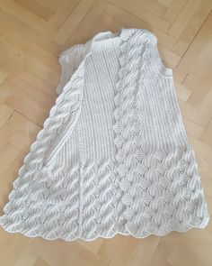 Hand Knitting Women's Sweaters Knitted Women's Vest, Cardigan, Sweater Crochet Daisy, Filet Crochet, Crochet Stitches, Knit Crochet, Pullover Design, Sweater Design, Baby Knitting Patterns, Free Knitting, Baby Sweaters