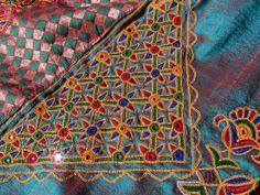 http://sparklemousse.com/gujarat/wp-content/uploads/2013/02/embroidery2.jpg