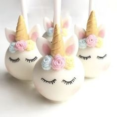white fondant cake pops, gold horns, how to make a unicorn cake, blue pink and yellow roses How To Make A Unicorn Cake, White Fondant Cake, Unicorn Cake Pops, Unicorn Macarons, Gateau Baby Shower, Baby Shower Cake Pops, Unicorn Themed Birthday Party, Unicorn Birthday Cakes, 5th Birthday