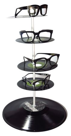 Clever display tower for Vinylize eyewear