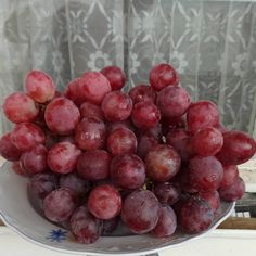 #grapes #pinkgrapes Fruit, Pink, Photos, Instagram, Food, Pictures, Essen, Meals, Pink Hair