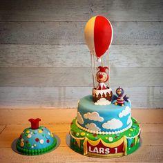 De Jokie en Jet taart voor mijn zoontje zijn 1e verjaardag! Hij is geweldig! Cupcakes, Sugar Art, Gum Paste, Beautiful Cakes, 3rd Birthday, Trick Or Treat, Favors, Food And Drink, Treats