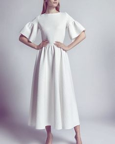 So beautiful – Moda-Creative thinking Trendy Dresses, Modest Dresses, Modest Outfits, Simple Dresses, Modest Fashion, Beautiful Dresses, Girl Fashion, Fashion Dresses, Womens Fashion
