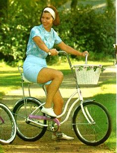 Just try not to smile as you look at these old images of the Schwinn Fair Lady bicycle from vintage catalogs. See the history of this great bike from 1964 to Vintage Bmx Bikes, Old Bikes, Three Wheel Bicycle, Try Not To Smile, Bicycle Women, Cycle Chic, Fair Lady, Childrens Shoes, Vintage Children