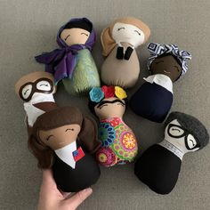 Feminist baby gifts: Mini womens history dolls from Thimble and Time | More at CoolMomPIcks.com baby shower gifts | baby shower gift guide | best baby gifts | gifts for baby boy | gifts for baby girl | gifts for one year old | gifts for 1 year old | toddler gifts | cool gifts for girls #feministgift #bestbabygift #babyshowergift