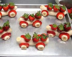 Awsome healthy dessert, making these for our next family dinner, maybe add a chocolte dippung sauce, so much for healty, lol
