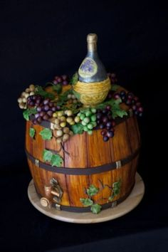 Wine and Barrel Fondant Cake (Great way to celebrate wine tasting/social gathering/girls night) Fondant Cupcakes, Cupcake Cookies, Bridal Cupcakes, Cupcake Cupcake, Unique Cakes, Creative Cakes, Beautiful Cakes, Amazing Cakes, Cookie Cake Designs