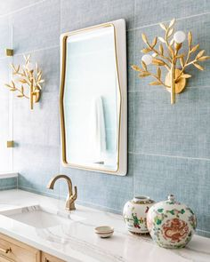 So much envy for this gorgeous blue + gold combo 😍 Design by @morrisseyhome. Photo by @jenmburner.  Tile featured: @annieselke Crosshatch Sky Dark. Modern Bathroom Tile, Bathroom Tile Designs, Bathroom Lighting Design, Bathroom Styling, Overton Park, Bathroom Inspiration, Design Inspiration, The Tile Shop, Bathroom Goals