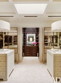 A Contemporary His and Hers Dressing Room, Nashville House for Philanthropists Jennifer and Billy Frist : Architectural Digest Dressing Room Closet, Dressing Room Design, Closet Bedroom, Dressing Rooms, Dressing Area, Master Closet, Architectural Digest, Closet Vanity, Closet Mirror