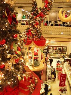 It's Christmas at Marshall Fields