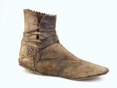 Medieval shoe, 14th century, found in Leiden.