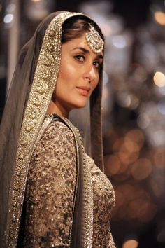 Kareena Kapoor bollywood actresses BOLLYWOOD ACTRESSES : PHOTO / CONTENTS  FROM  IN.PINTEREST.COM #BLOG #EDUCRATSWEB